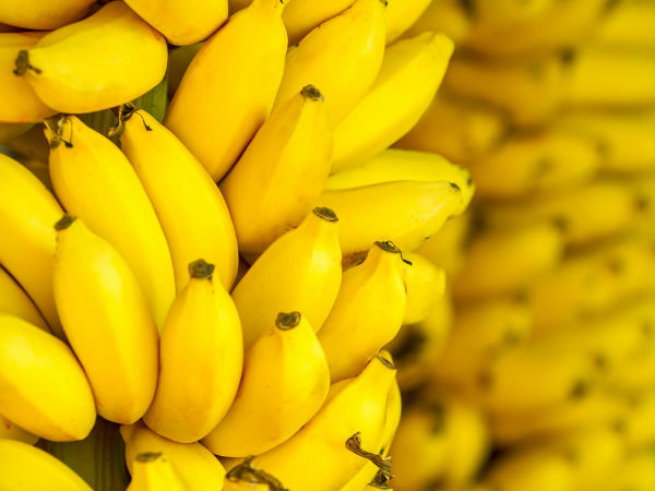 केले (Banana): Foods to keep you warm in winter