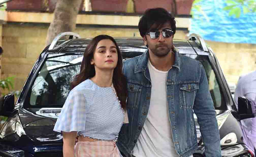 Alia denied the news of the breakup with Ranbir