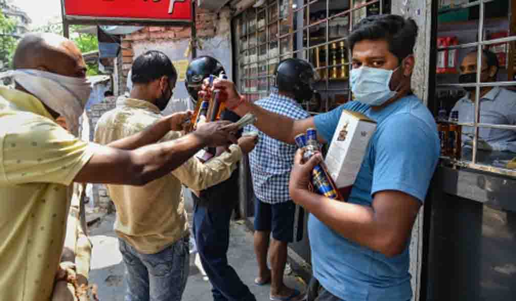 Court seeks response from Delhi government on charging special corona fee on liquor