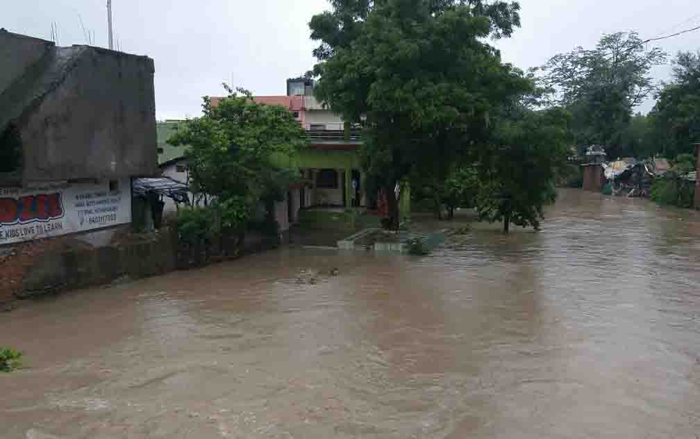 Flood rains in Hoshangabad due to incessant rains