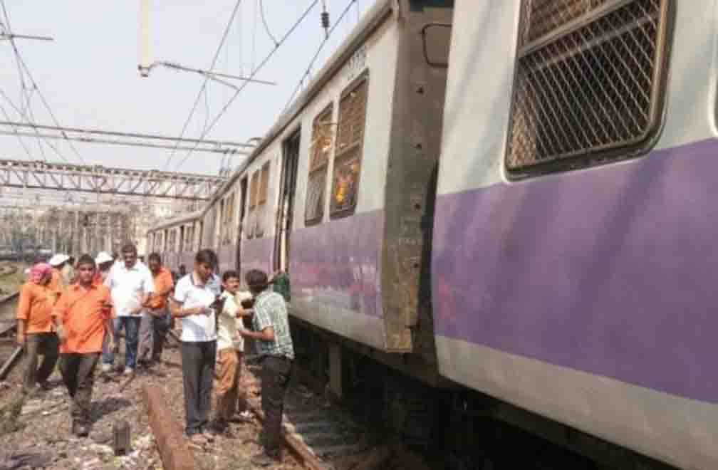 H coach of local train derailed, accident occurred 95 km from Mumbai