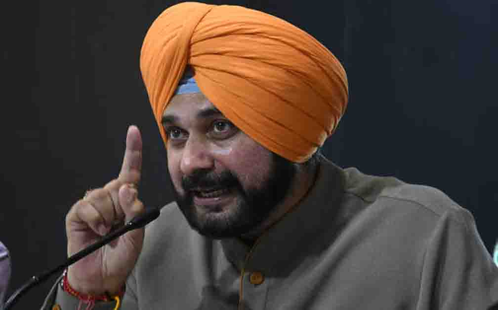 I have not come from any party to fight my turban: Sidhu