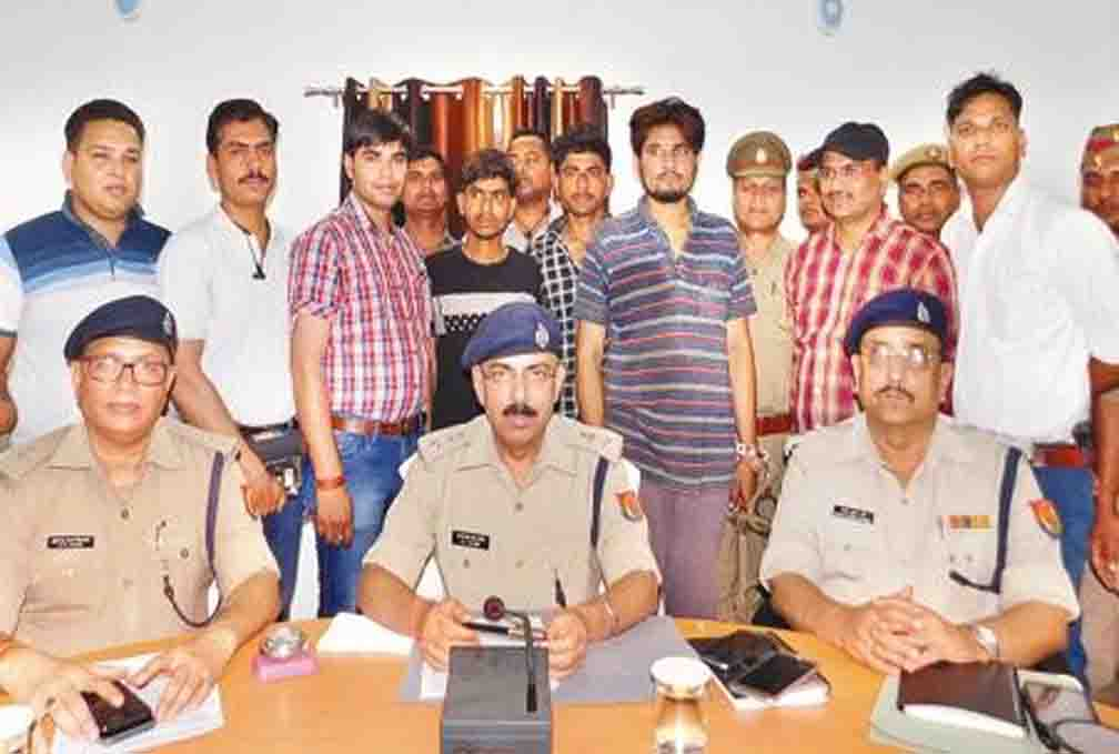 Khutar police arrested and arrested the inter-city diesel thief gang