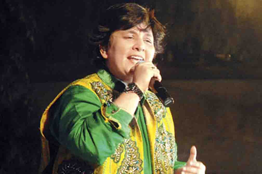 Falguni Pathak returns on the occasion of Navratri