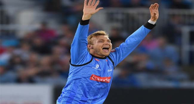 Adelaide Strikers tie-up with England spinner Danny Briggs
