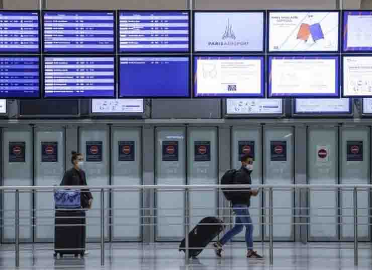France announces closure of its borders to those coming from outside the European Union