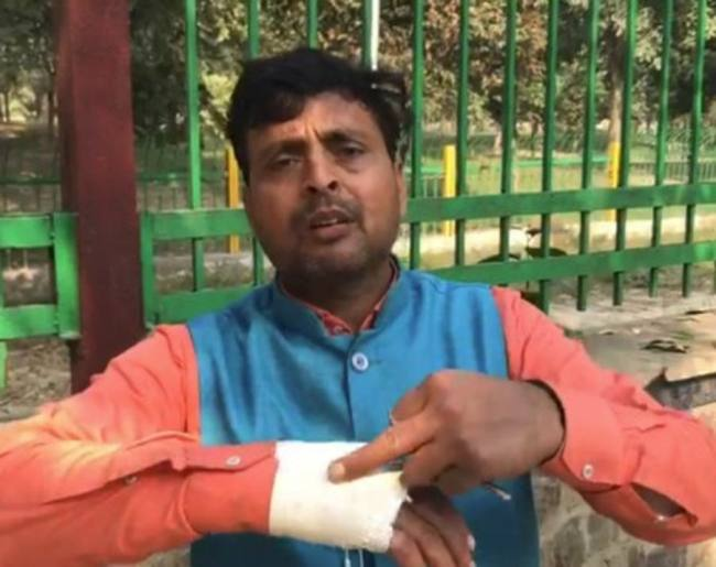 Contractor beaten in Kotwali, took one lakh rupees - Uttar Pradesh Ghaziabad Local News