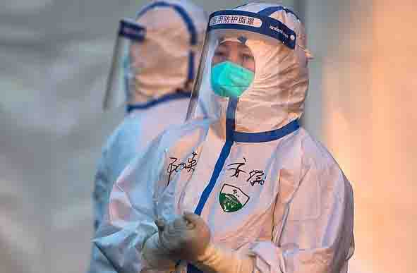 Person preparing to go from Singapore to India infected with corona virus