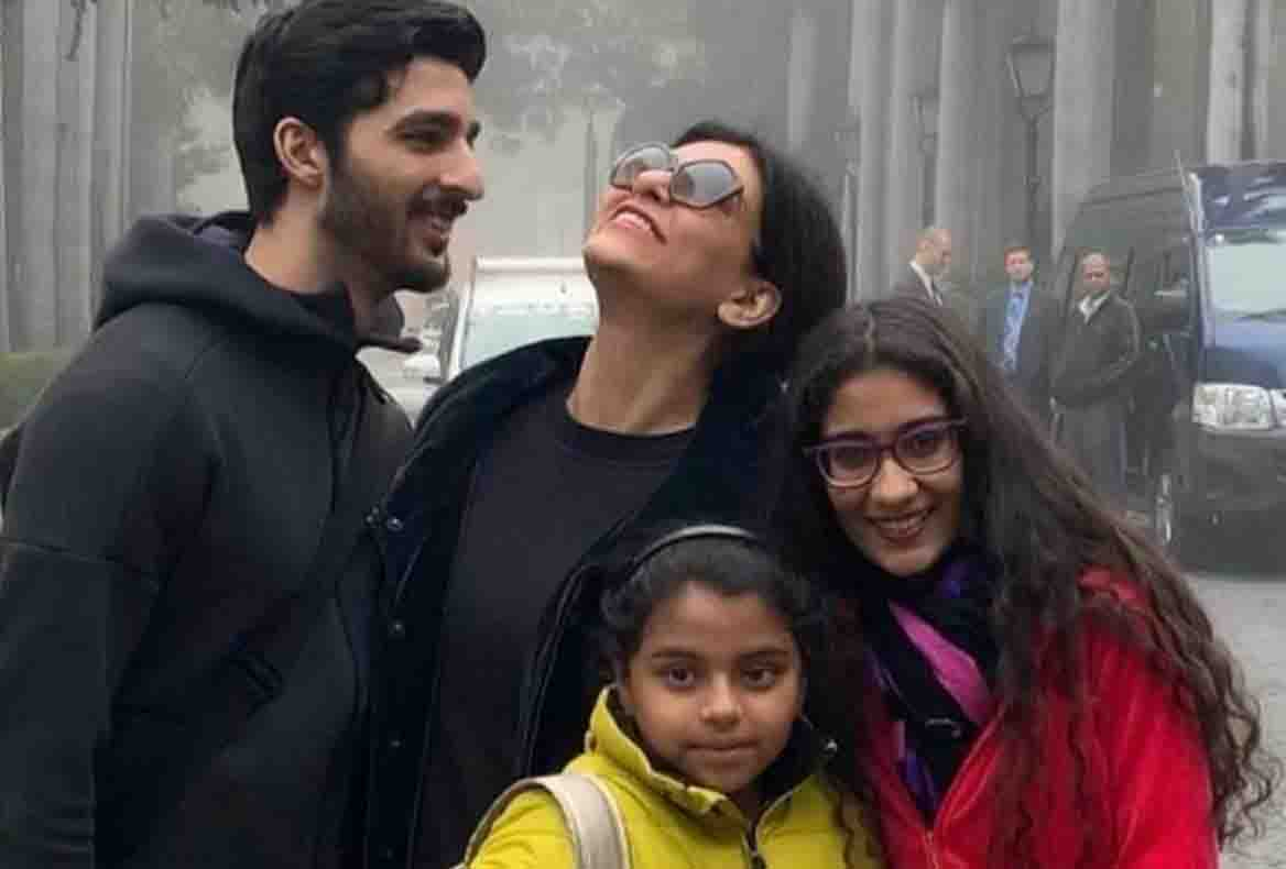 Sushmita Sen's daughter questioned on social media user by 'real mother'