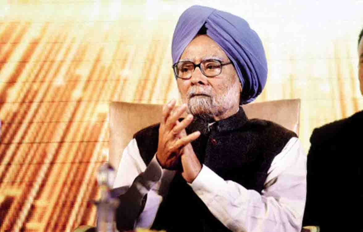Manmohan Singh and his wife get corona vaccine