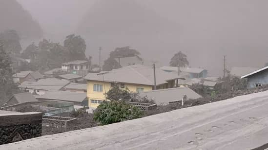 Some people refuse to leave the area even after the volcanic eruption in St. Vincent
