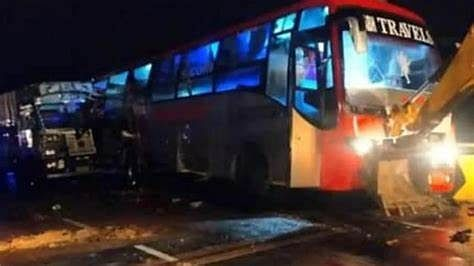 Bus and DCM collide on Lucknow Ayodhya Highway, three including the operator injured
